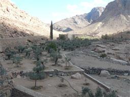 Долина, ведущая на вершину горы Св. Екатерины